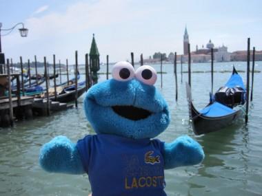 photo of Triki En El Mundo the Cookie Monster in Venice